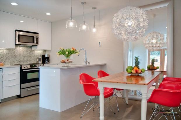 ห้องครัวสีชมพู-ขาว