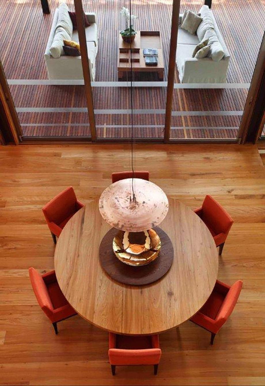 โต๊ะอาหารทรงกลมแบบหมุนไม้
