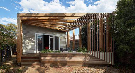 หน้าบ้านเฉลียงระแนงไม้