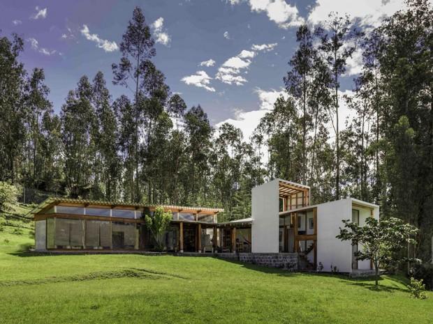 สร้างบ้านบนพื้นที่ต่างระดับ