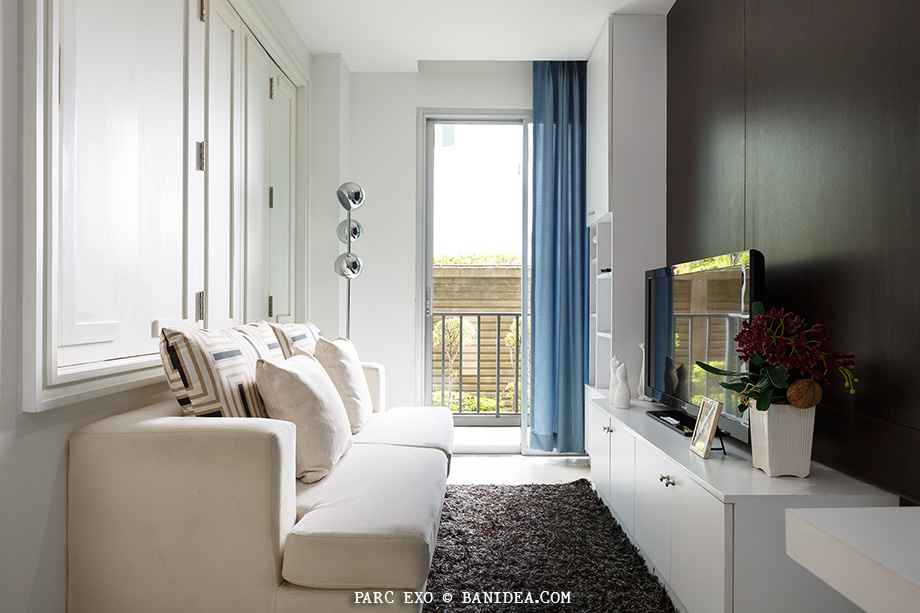 หน้าต่าง บานเฟี้ยม กั้นห้อง