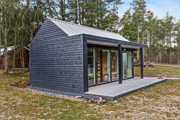 Scandinavian-modern-tiny-house-06