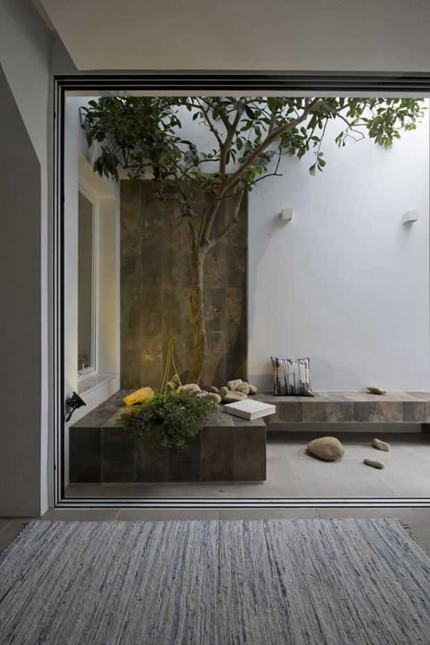 พื้นที่นั่งเล่นในบ้านแบบ open air