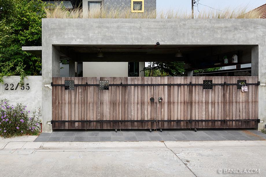 แบบประตูโรงจอดรถ ทางเข้าบ้าน บานเลื่อนไม้