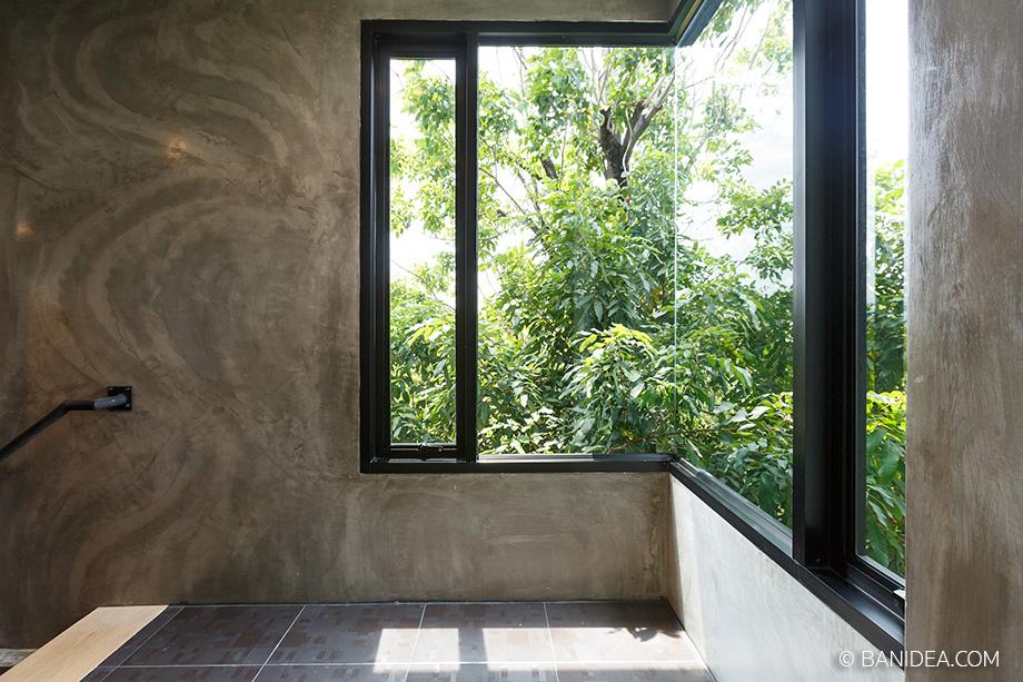 กระจกเข้ามุม เปิดช่องแสงเห็นต้นไม้