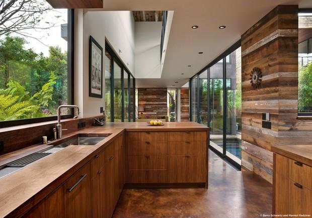 ชุดครัวบิวท์อินด้วยไม้