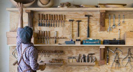 ชั้นเก็บเครื่องมือช่างทำจากไม้
