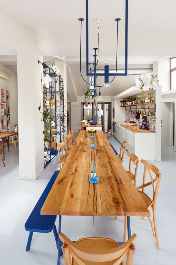 โต๊ะรับประทานอาหารไม้ตัวยาว