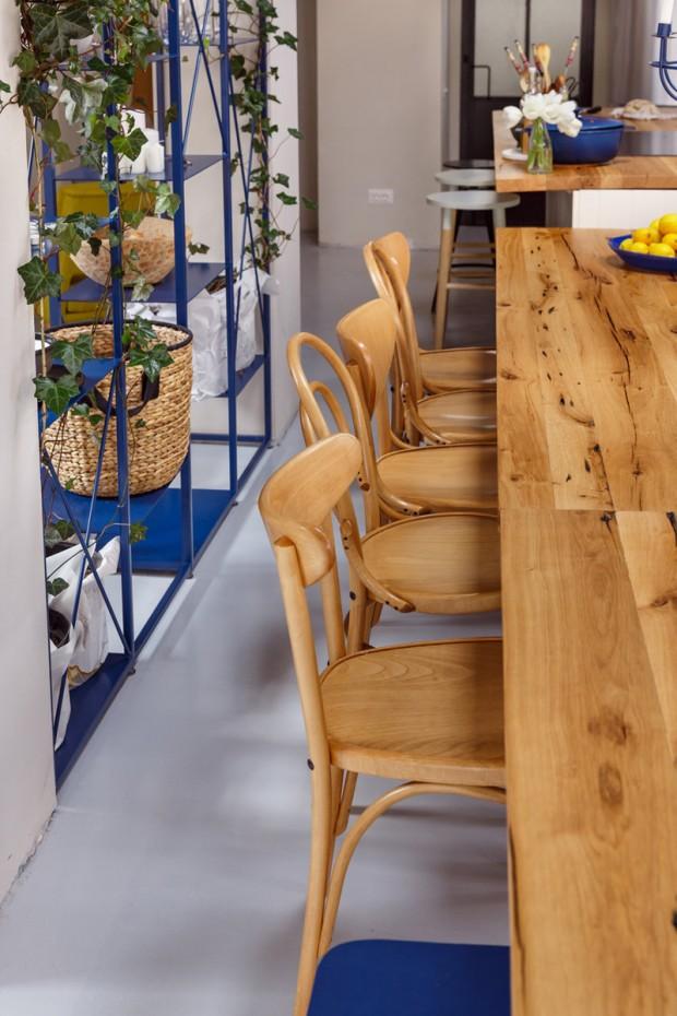 เก้าอี้นั่งรับประทานอาหารทำจากไม้