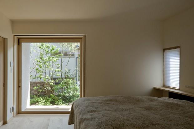 เปิดประตูห้องนอนเชื่อมต่อพื้นที่สวน