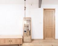 ตกแต่งบ้านง่าย ๆ ด้วยตู้ไม้และบานกระจก
