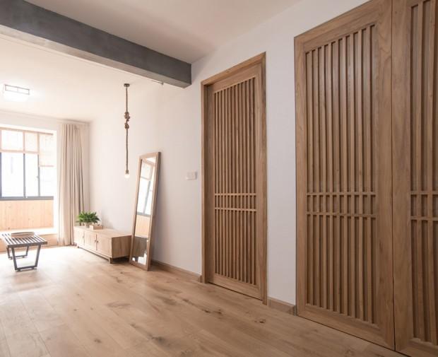 ประตูทางเข้าห้องนอน ห้องเก็บของและห้องน้ำ