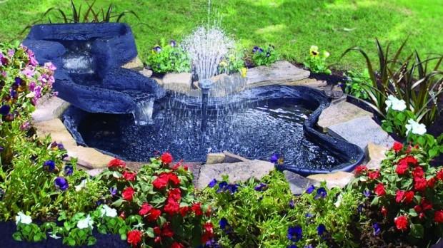 สวนน้ำเล็ก ๆ ทำได้เองในสวนหลังบ้าน