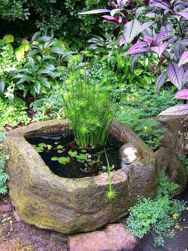 สวนน้ำขนาดเล็กทำจากหิน