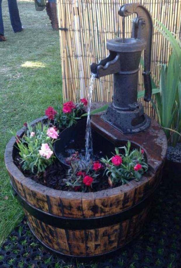 สวนน้ำทำจากถังเก่า