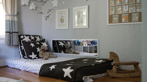 เตียงติดพื้นในห้องเด็ก