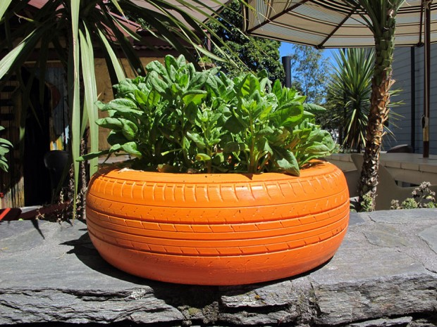 tire-vegetable-planter-06