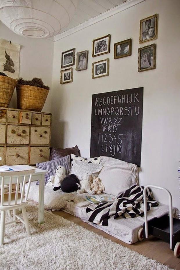 เตียงติดพื้น vintage