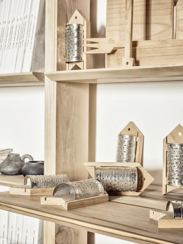 งานประดิษฐ์จากไม้และกระป๋อง