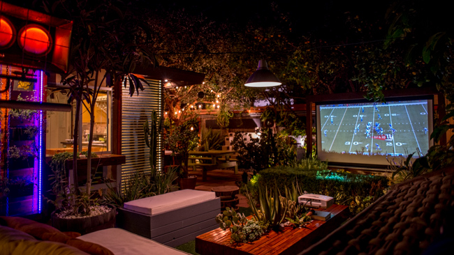 ชมภาพยนตร์ Outdoor ในสวน