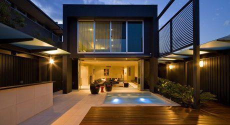 บ้านโมเดิร์นมีสระว่ายน้ำหน้าบ้าน