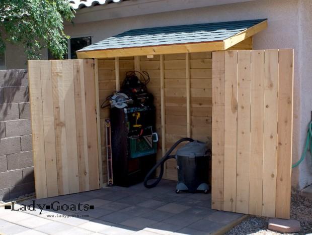 ตู้เก็บของหลังบ้าน