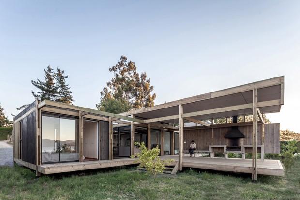 บ้านโมเดิร์นโครงสร้างไม้ผนังกระจก