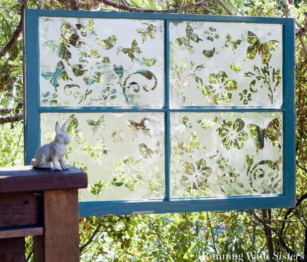 ทำฉากกั้นสวนจากบานกระจก