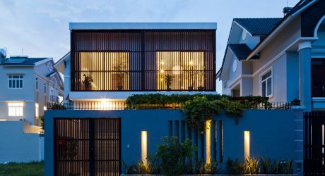 บ้านโมเดิร์นสองชั้นเรียบง่ายเป็นธรรมชาติ
