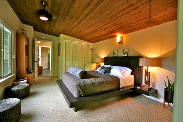 ห้องนอนกรุพดานด้วยไม้ดูอบอุ่น
