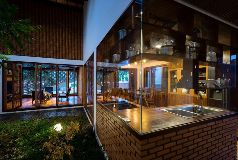 ห้องกระจกเชื่อมบรรยากาศสวนกับบ้าน