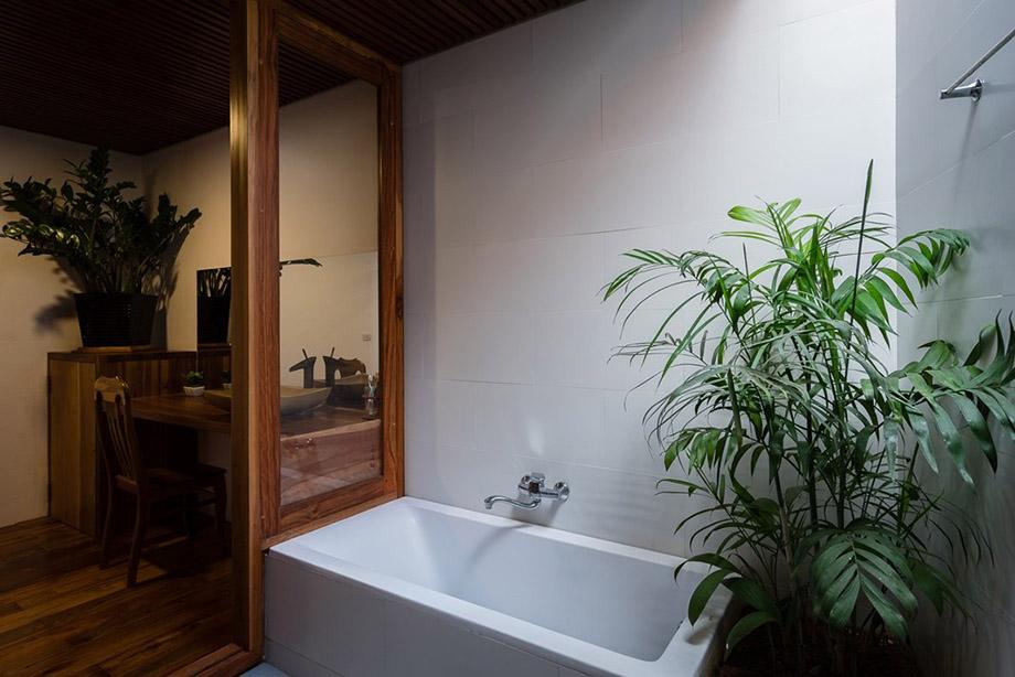 ห้องน้ำ open air จัดสวนข้างใน