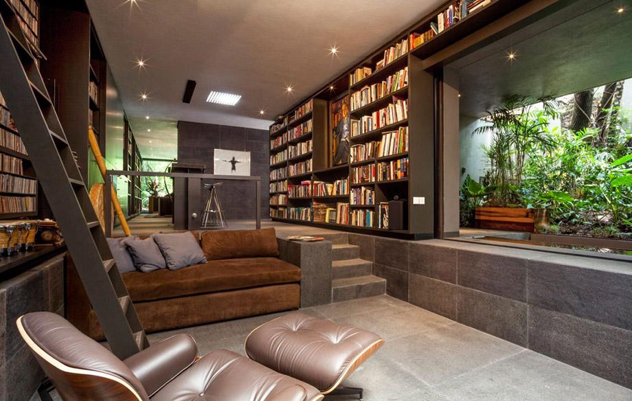 ห้องนั่งเล่นอ่านหนังสือเห็นวิวสวน