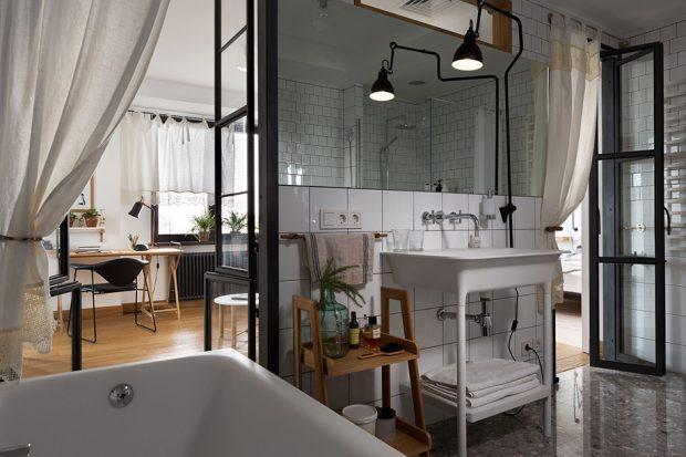 ห้องน้ำทูโทนตกแต่งสีขาว-ดำ