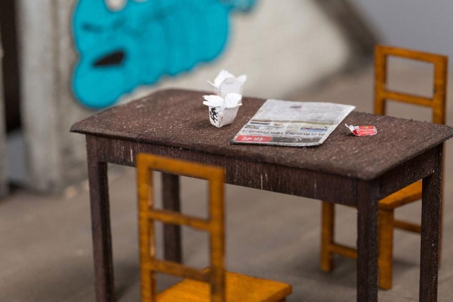 โมเดลโต๊ะเก้าอี้เก่า