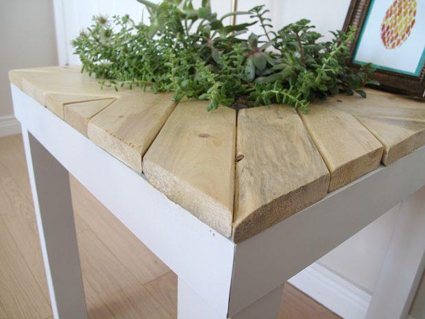 เปลี่ยนโต๊ะเก่าเป็นที่ใส่กระถางต้นไม้