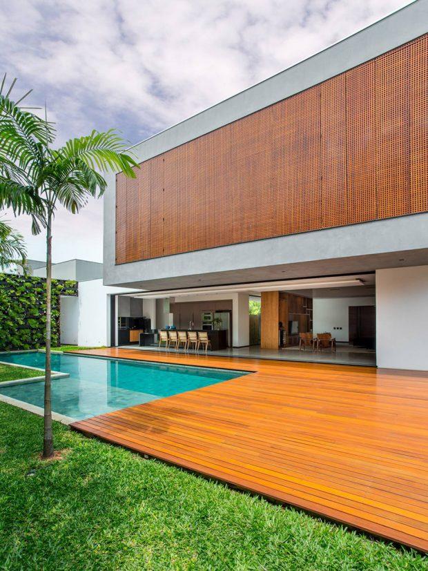 บ้านโมเดิร์นสองชั้นมีสระว่ายน้ำ
