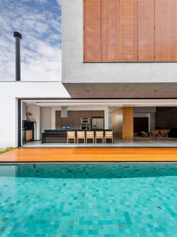 บ้านโมเดิร์นสองชั้นพร้อมสระว่ายน้ำ