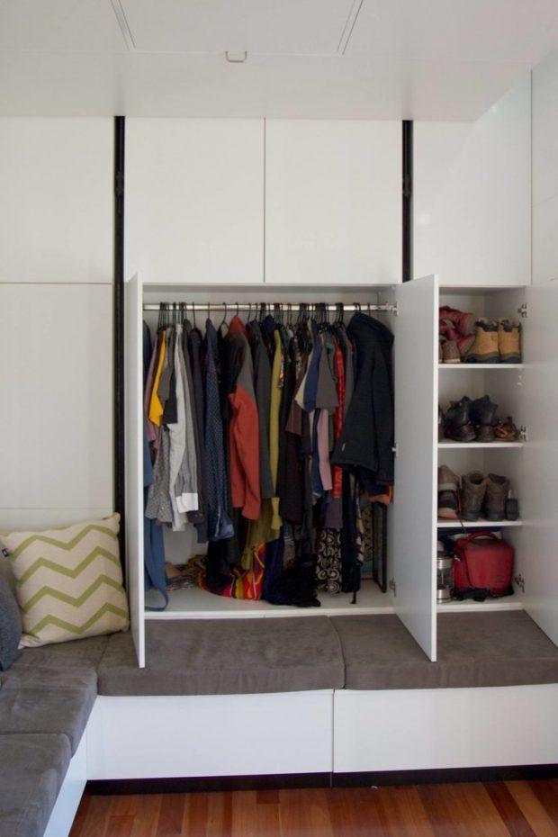 ผนังซ่อนฟังก์ชั่นตู้เก็บเสื้อผ้าและของใช้