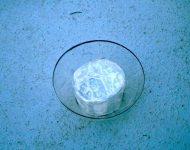 นำเทปกาวพันรอบพลาสติกกลมด้านใน