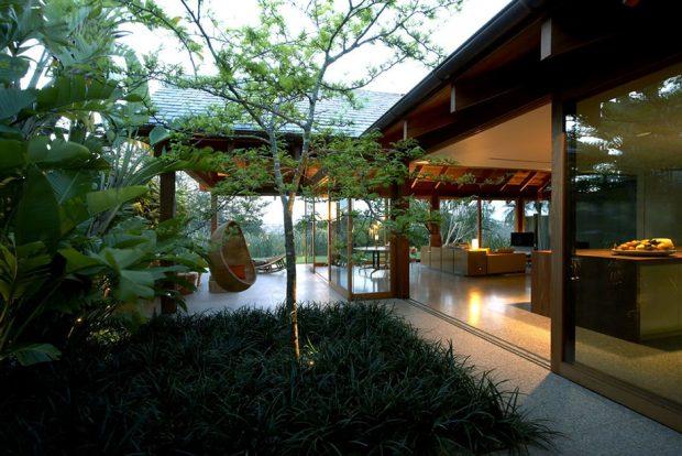 บ้านเชื่อมต่อกับสวน