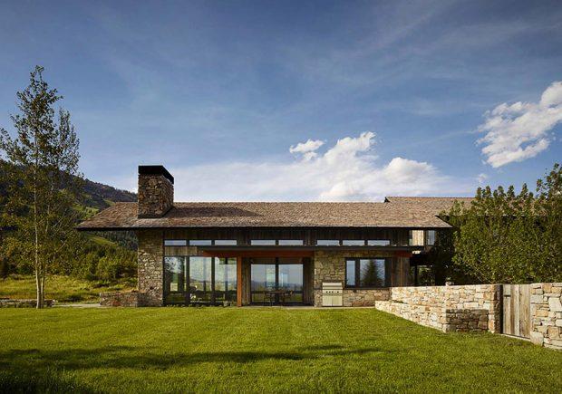 บ้านฟาร์มยุคใหม่สวยด้วยผนังกระจก