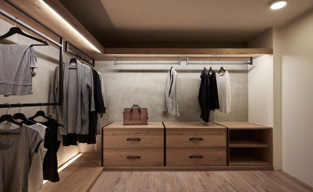 ห้องเก็บเสื้อผ้าและห้องแต่งตัว