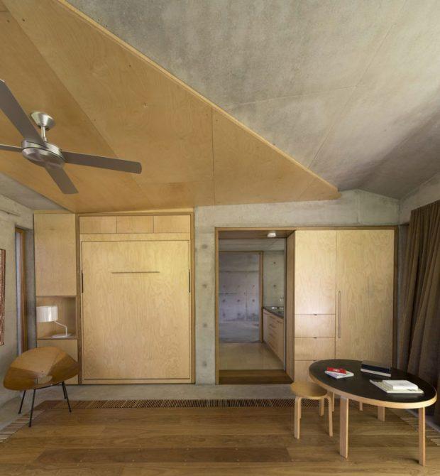กรุทับผนังแลพเพดานคอนกรีตด้วยไม้