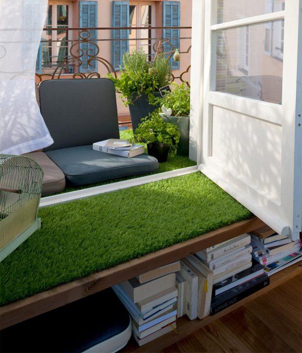 แต่งเบย์วินโดว์ด้วยหญ้าเทียม
