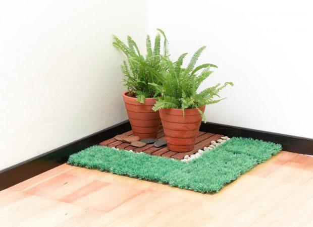 ตกแต่งมุมสวนเล็ก ๆ ในบ้านด้วยหญ้าเทียม