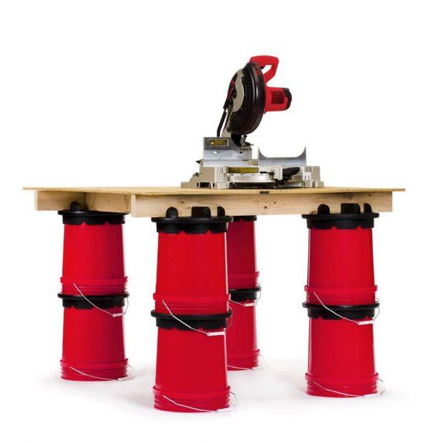 โต๊ะวางเลื่อยทำจากถังขนาด 5 แกลลอน