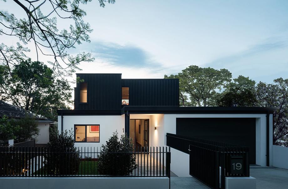 บ้านโมเดิร์นสีขาว-ดำ