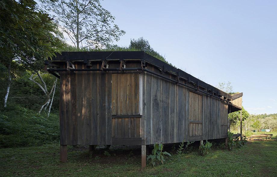 บ้านไม้ธรรมชาติ