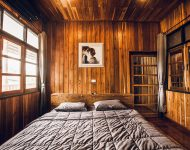 ตกแต่งห้องนอนด้วยไม้สัก